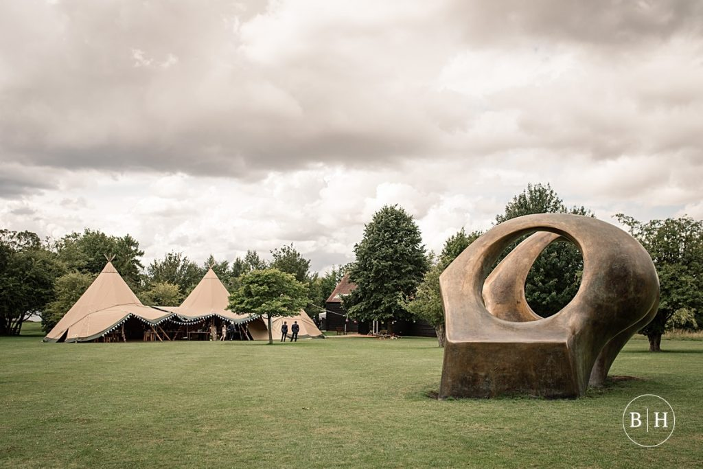 Top Ten Hertfordshire Wedding Venues - Tipi wedding at the Henry Moore Foundation taken by Becky Harley Photography