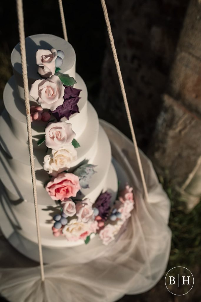 Wedding Cakes Bedfordshire by La Belle Cake Company taken by Becky Harley Photography