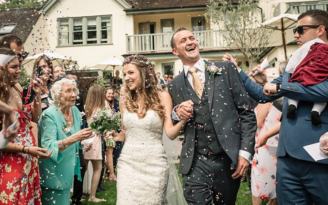 7 Top Tips for Wedding Confetti – Get the Best Wedding Confetti Photos Ever!