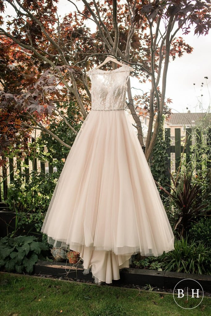 6715276f3 top-tips-for-buying-a-wedding-dress-0014-683x1024.jpg