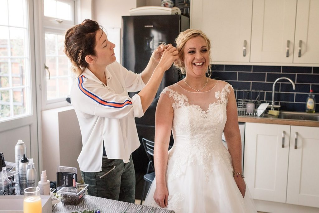 Tips for choosing your wedding hair stylist