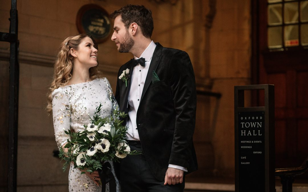 Winter Wedding at Oxford Town Hall – Suzannah & Tom